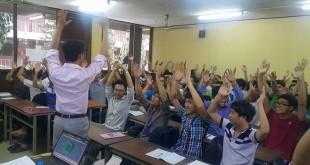 Sinh viên tham gia buổi trao đổi về phương pháp học AutoCAD nhanh và hiệu quả một cách hứng thú