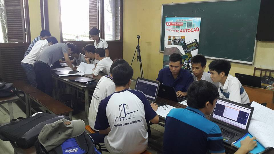 Buổi hướng dẫn cho sinh viên trường ĐH Sư phạm kỹ thuật TP.Hồ Chí Minh về phương pháp học AutoCAD nhanh và hiệu quả