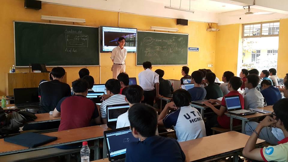 Khóa học AutoCAD 2D-Ngoại khóa với Sinh Viên Đại Học Sư Phạm Kỹ Thuật!